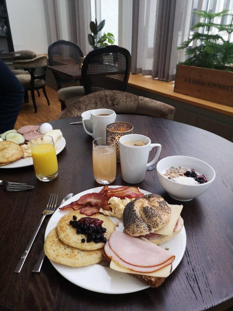 Linn Stenholm Frukost Hällsnäs