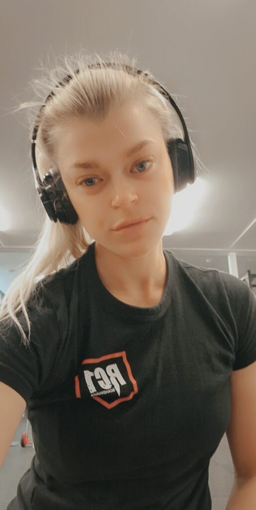 Linn Stenholm Redcon1 workout